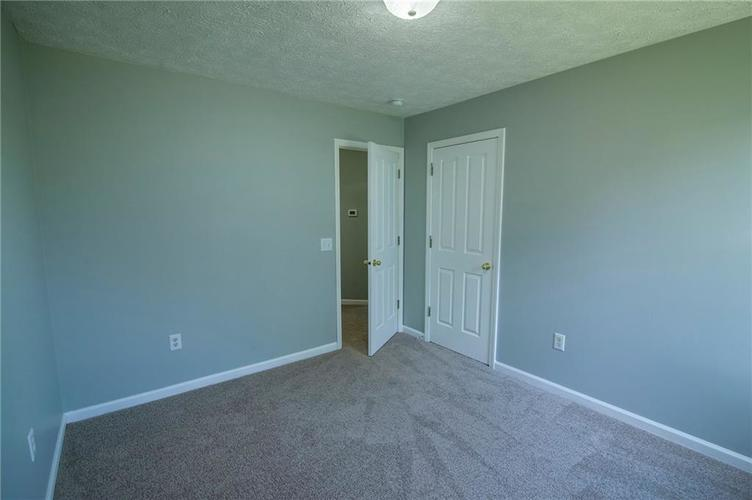 5019 Avian Lane Indianapolis, IN 46235 | MLS 21680346 | photo 22