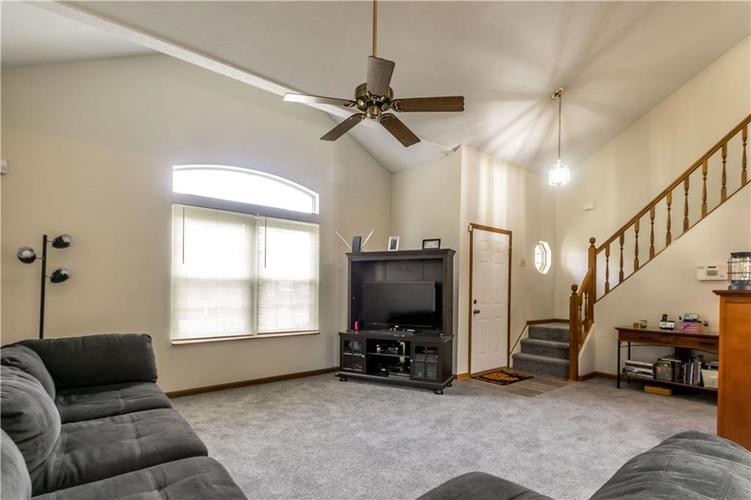 5741 Victory Drive Indianapolis, IN 46203 | MLS 21680357 | photo 5