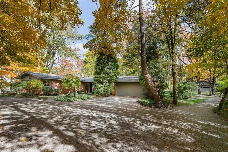 8181 Oak Hill Drive Indianapolis, IN 46250 | MLS 21680361 | photo 2
