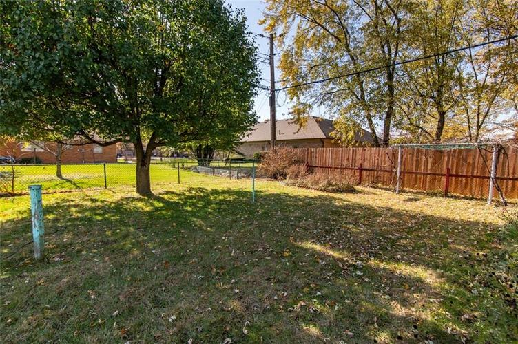 8045 E 11th Street Indianapolis, IN 46219 | MLS 21680395 | photo 20