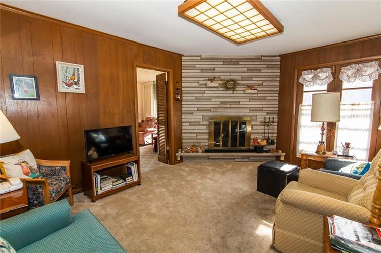 8045 E 11th Street Indianapolis, IN 46219 | MLS 21680395 | photo 4