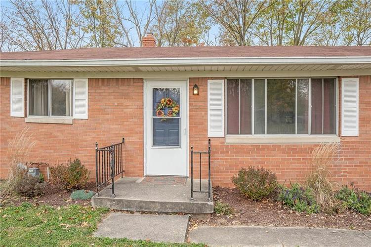2734 WESTLEIGH Drive Indianapolis, IN 46268   MLS 21680404   photo 2