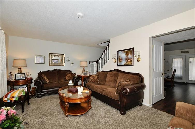 8112 BROMLEY Place Indianapolis, IN 46219   MLS 21680420   photo 7