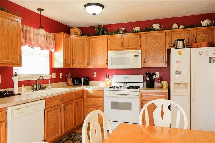 1113 Paul Drive Indianapolis, IN 46229   MLS 21680475   photo 20