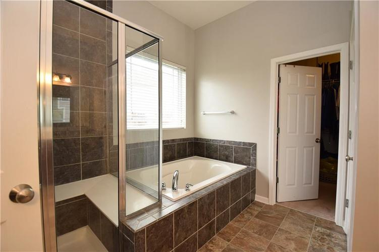 6620 Haddix Woods Court Indianapolis, IN 46236 | MLS 21680498 | photo 24
