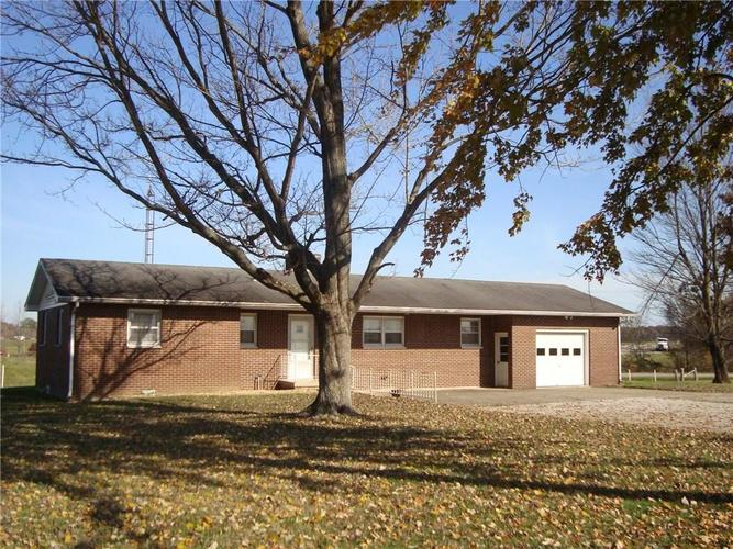 5436 S US Highway 31 Crothersville, IN 47229   MLS 21680517   photo 1