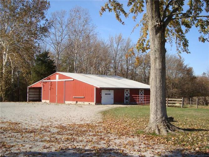 5436 S US Highway 31 Crothersville, IN 47229   MLS 21680517   photo 2