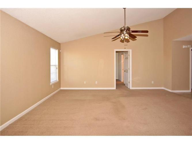 747 Treyburn Green Drive Indianapolis, IN 46239 | MLS 21680601 | photo 4