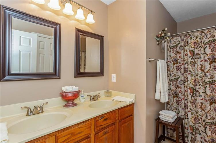 7497 Dunmore Point Noblesville, IN 46062 | MLS 21680631 | photo 25