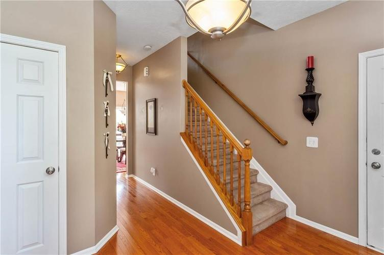7497 Dunmore Point Noblesville, IN 46062 | MLS 21680631 | photo 3