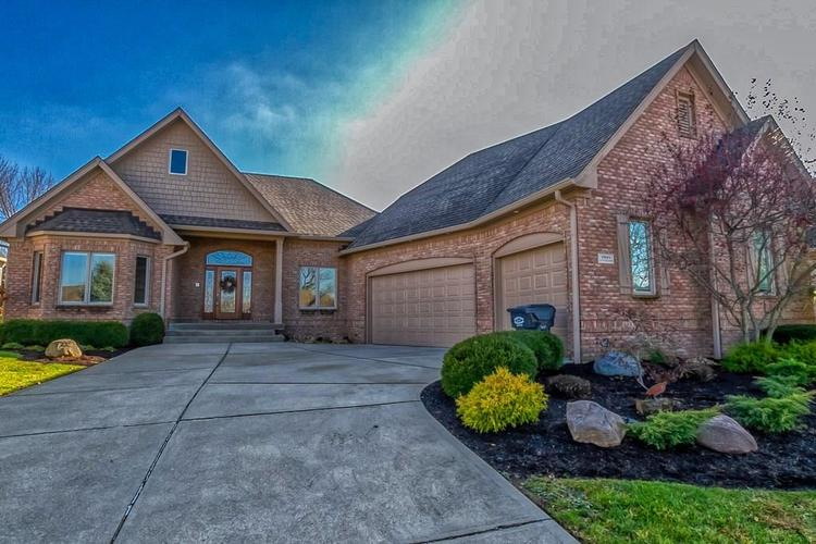 2891 COVENTRY Lane Greenwood, IN 46143 | MLS 21680677 | photo 1