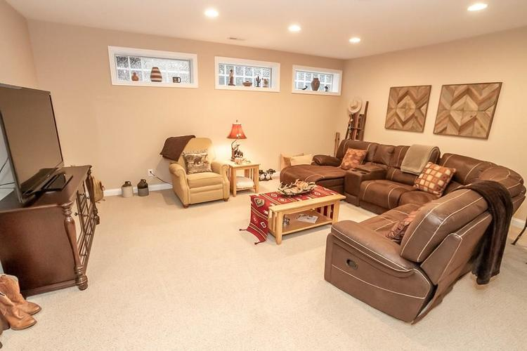 2891 COVENTRY Lane Greenwood, IN 46143 | MLS 21680677 | photo 32