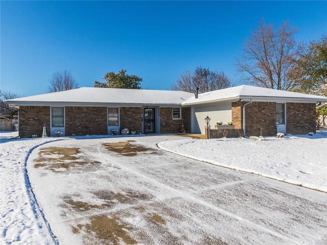 9409  Jill Court Indianapolis, IN 46229 | MLS 21680703