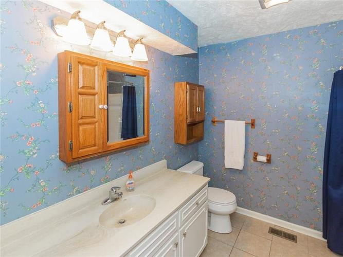9409 Jill Court Indianapolis, IN 46229 | MLS 21680703 | photo 27