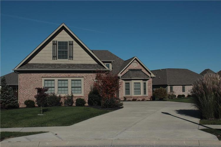 4343 THOMPSON ROW Greenwood, IN 46143 | MLS 21680788 | photo 2