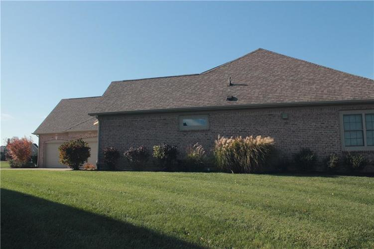 4343 THOMPSON ROW Greenwood, IN 46143 | MLS 21680788 | photo 9