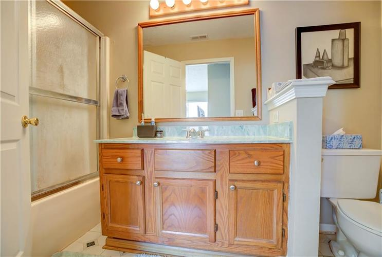 5650 Crown Vetch Place Indianapolis, IN 46254 | MLS 21680902 | photo 11