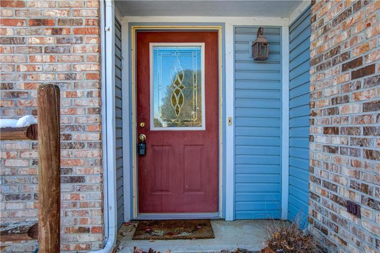 5650 Crown Vetch Place Indianapolis, IN 46254 | MLS 21680902 | photo 2