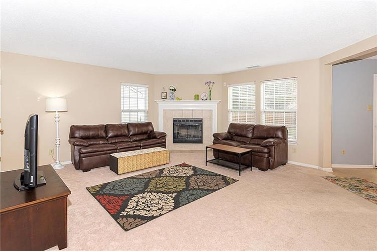 13796 Meadow Lake Drive Fishers, IN 46038 | MLS 21680923 | photo 7