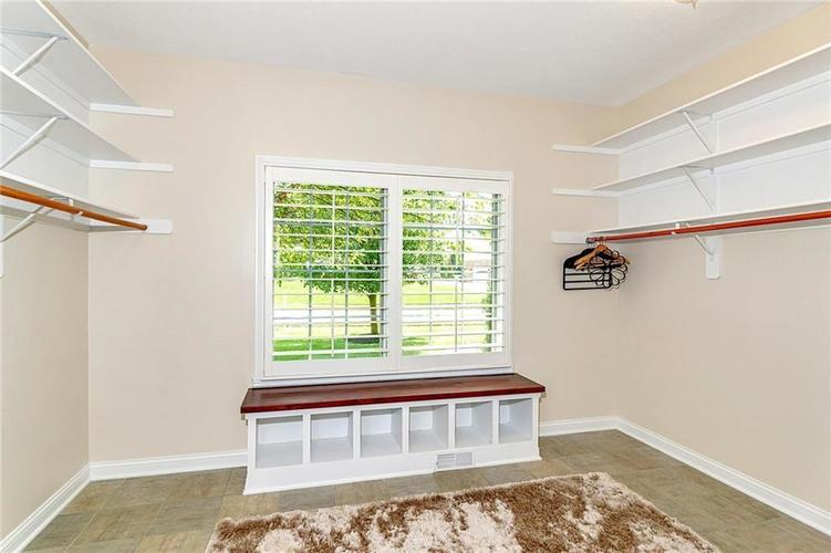2780 Coventry Lane Greenwood, IN 46143 | MLS 21680935 | photo 19