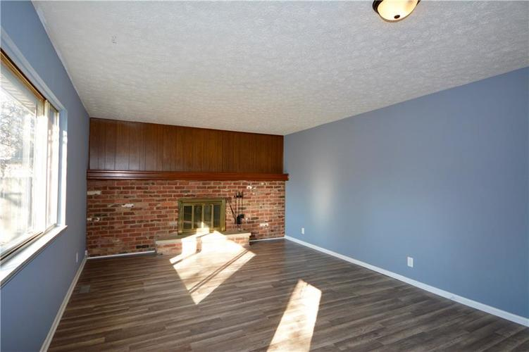 2026 N HIBISCUS Drive Indianapolis, IN 46219 | MLS 21680989 | photo 16