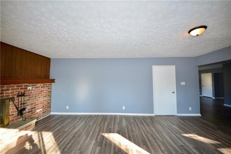 2026 N HIBISCUS Drive Indianapolis, IN 46219 | MLS 21680989 | photo 17