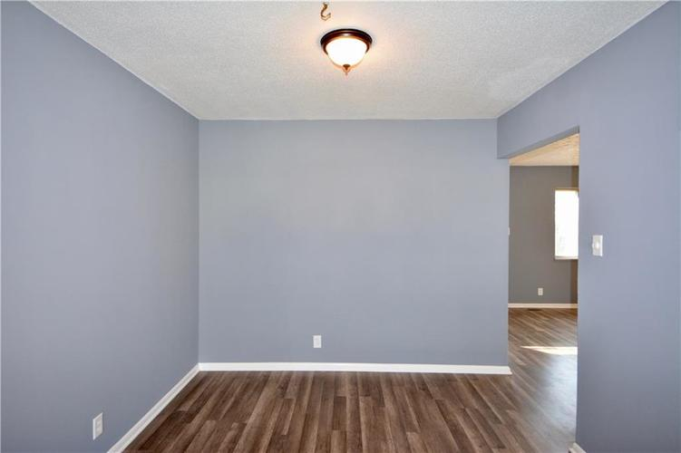 2026 N HIBISCUS Drive Indianapolis, IN 46219 | MLS 21680989 | photo 18
