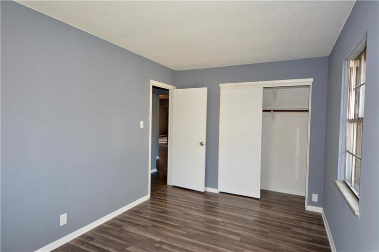 2026 N HIBISCUS Drive Indianapolis, IN 46219 | MLS 21680989 | photo 19