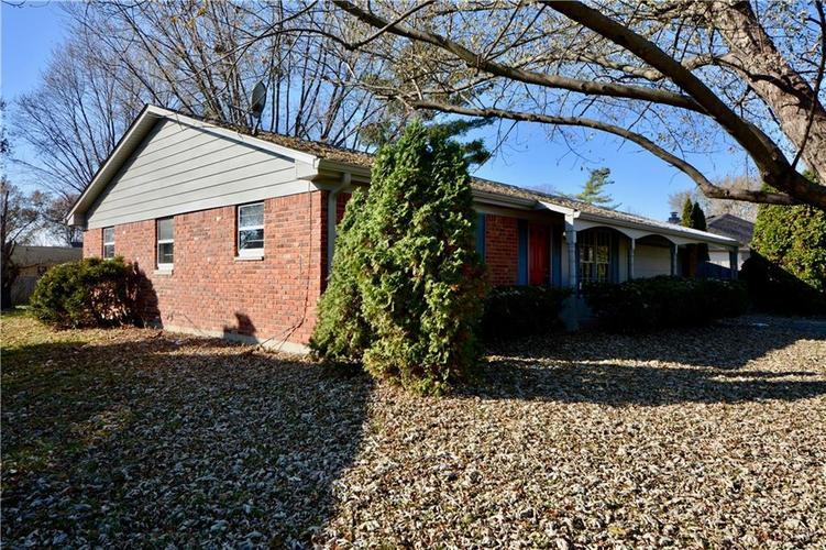 2026 N HIBISCUS Drive Indianapolis, IN 46219 | MLS 21680989 | photo 2