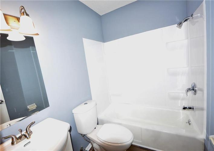2026 N HIBISCUS Drive Indianapolis, IN 46219 | MLS 21680989 | photo 25