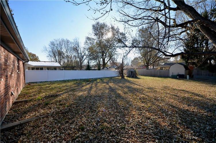 2026 N HIBISCUS Drive Indianapolis, IN 46219 | MLS 21680989 | photo 29
