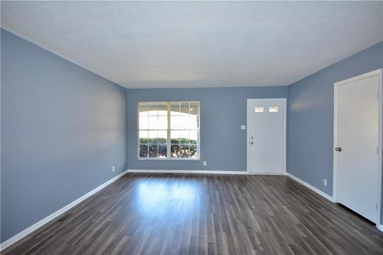 2026 N HIBISCUS Drive Indianapolis, IN 46219 | MLS 21680989 | photo 4
