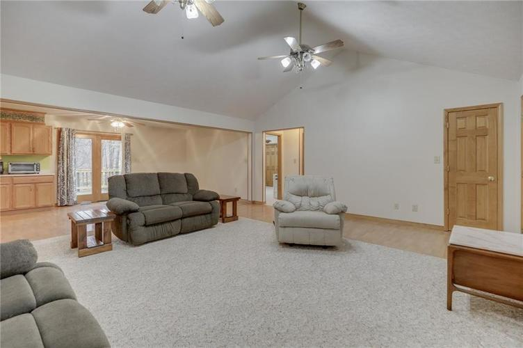 000 Confidential Ave.Nineveh, IN 46164 | MLS 21681006 | photo 10
