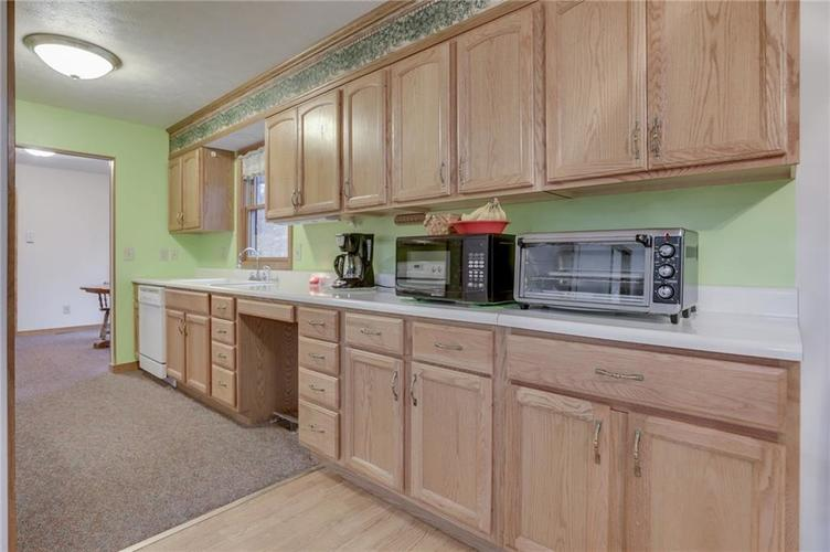000 Confidential Ave.Nineveh, IN 46164 | MLS 21681006 | photo 15