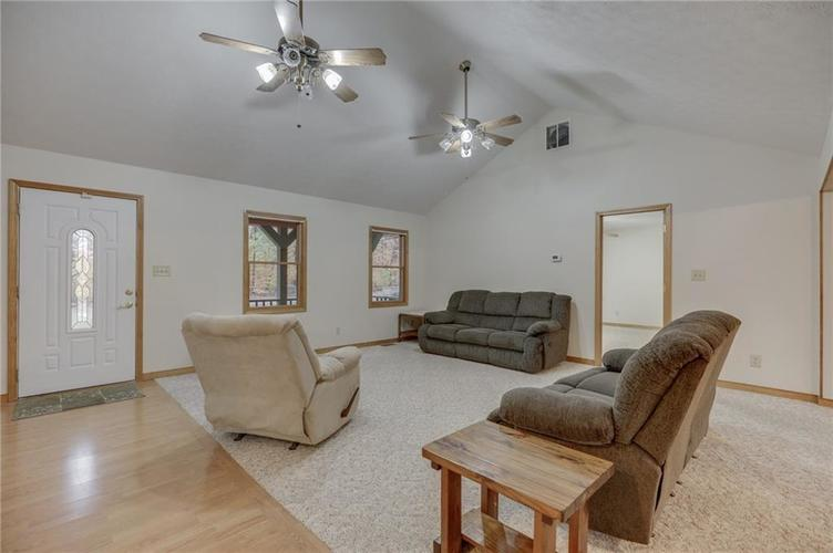 000 Confidential Ave.Nineveh, IN 46164 | MLS 21681006 | photo 8