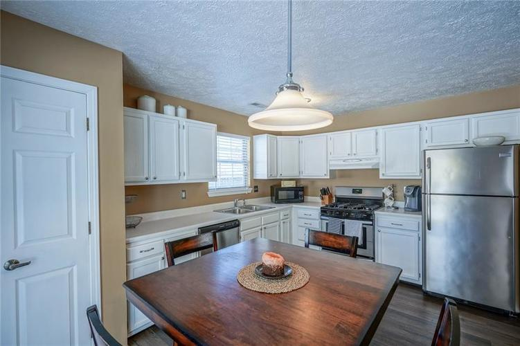 11560 Cherry Blossom West Drive Fishers, IN 46038 | MLS 21681027 | photo 15