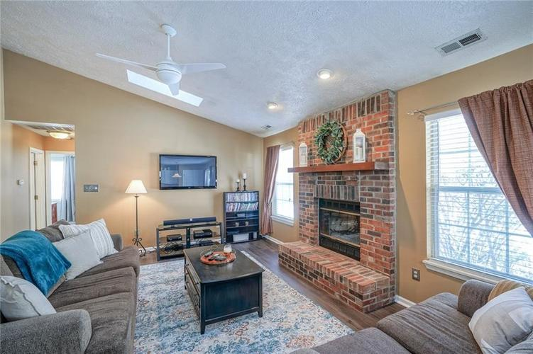 11560 Cherry Blossom West Drive Fishers, IN 46038 | MLS 21681027 | photo 5