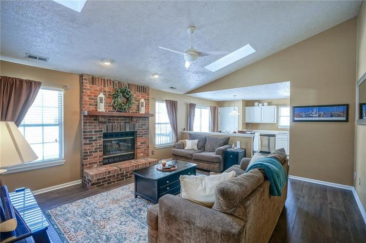 11560 Cherry Blossom West Drive Fishers, IN 46038 | MLS 21681027 | photo 8