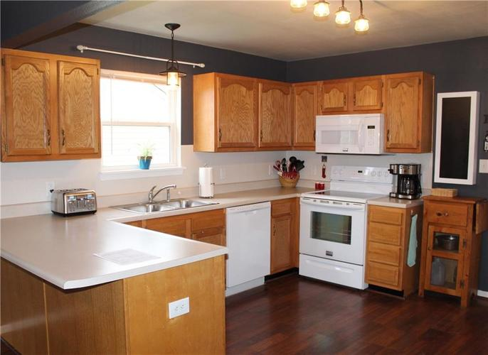 10660 STILLWATER Road Indianapolis, IN 46234   MLS 21681084   photo 2