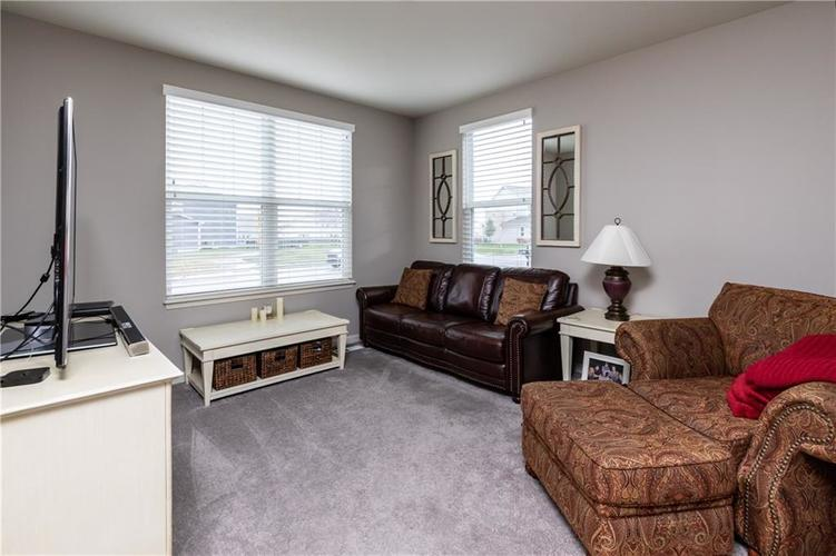 5463 Golden Aster Drive Noblesville, IN 46062 | MLS 21681174 | photo 22