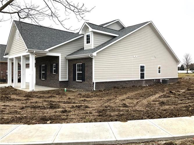 2415 Somerset Circle Franklin, IN 46131 | MLS 21681200 | photo 18