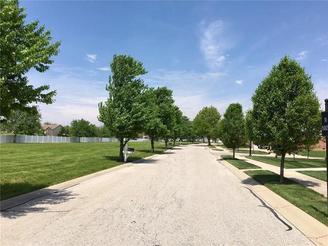 2415 Somerset Circle Franklin, IN 46131 | MLS 21681200 | photo 24