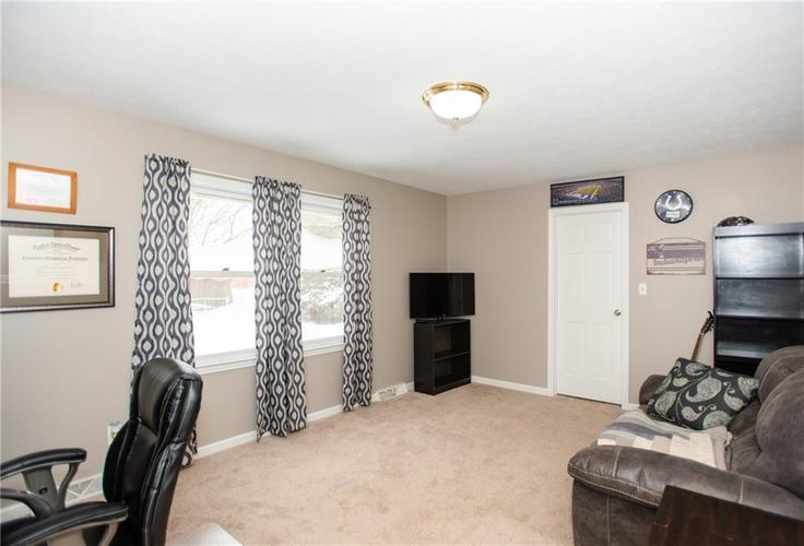 8120 Tanager Lane Indianapolis, IN 46256 | MLS 21681272 | photo 15
