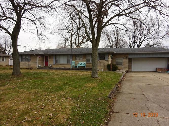 2715 S Kenmore Road Indianapolis, IN 46203 | MLS 21681305 | photo 1