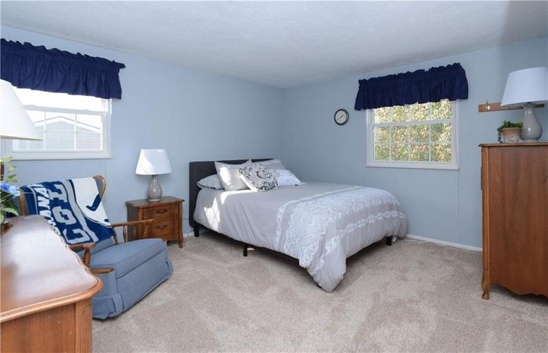 6732 Breeds Hill Drive Indianapolis, IN 46237 | MLS 21681311 | photo 22