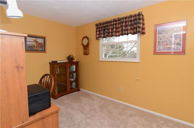 6732 Breeds Hill Drive Indianapolis, IN 46237 | MLS 21681311 | photo 23