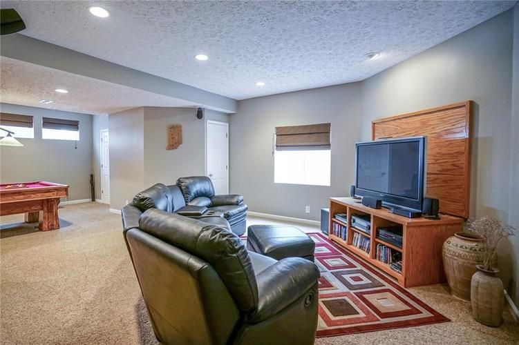 8287 Sweetclover Drive Indianapolis, IN 46256   MLS 21681340   photo 26