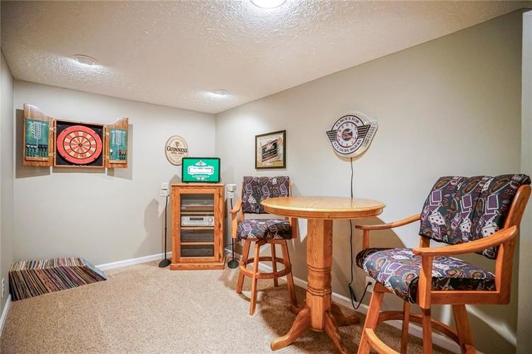 8287 Sweetclover Drive Indianapolis, IN 46256   MLS 21681340   photo 35