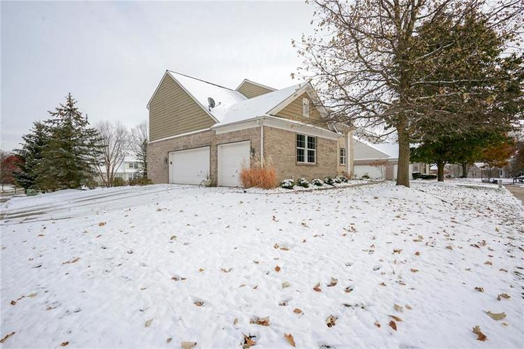 8287 Sweetclover Drive Indianapolis, IN 46256   MLS 21681340   photo 36
