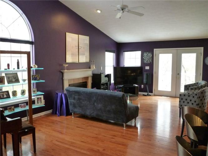 5243 Spring Creek Court Indianapolis, IN 46254 | MLS 21681379 | photo 2